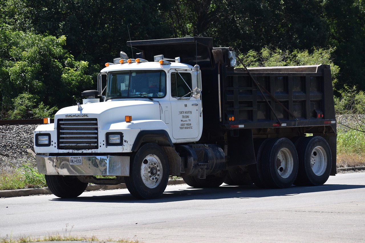 Picture of Dump Truck insured by MyTruckInsurance.Online